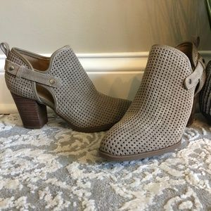 BRAND NEW Franco Sarto Tan Heeled Boot Dakota 7.5